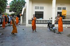 Botumvatey Pagoda, Phnom Penh