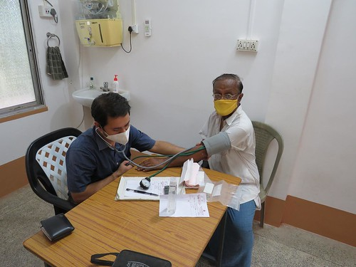 Dr. Swarnab Kundu (General Medicine) RKM Naora