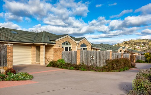 2/48 Betty Maloney Crescent, Banks ACT 2906