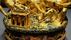 Cellini, Salt Cellar, detail with triumphal arch for peppercorns