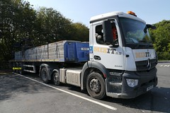 Photo of Mercedes Antos 2443 - Medway