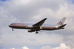 Photo of N386AA Boeing 767 American LHR 29-08-00