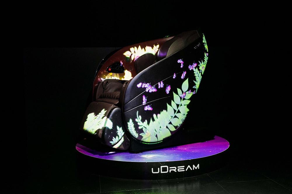 「OSIM-uDream-5感養身椅」,以超群科技首創「AI壓力檢測」,匯集視覺、聽覺、嗅覺、味覺及觸覺5感體驗打造「個人化」紓壓按摩程式,不只養身、更養心。汲取大自然完美協調優雅外型,成就萬眾矚目的劃世代強力新作!-3