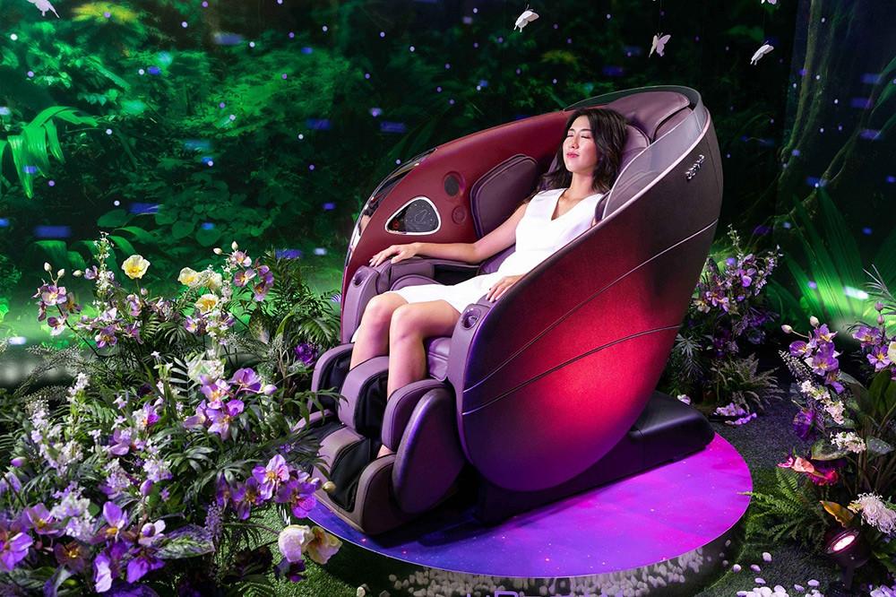 「OSIM-uDream-5感養身椅」模特兒體驗照