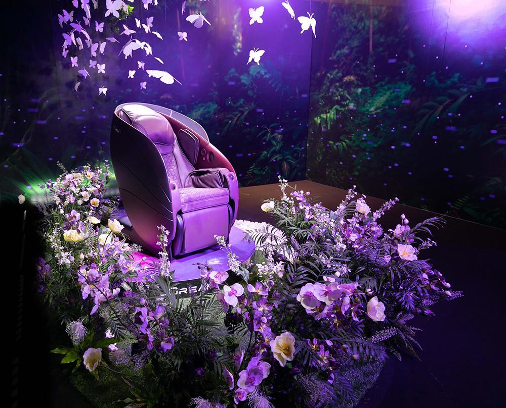 「OSIM-uDream-5感養身椅」,以超群科技首創「AI壓力檢測」,匯集視覺、聽覺、嗅覺、味覺及觸覺5感體驗打造「個人化」紓壓按摩程式,不只養身、更養心。汲取大自然完美協調優雅外型,成就萬眾矚目的劃世代強力新作!-1