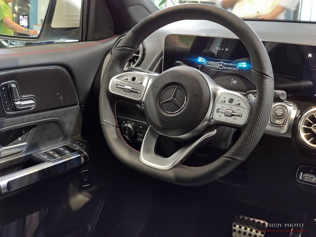 (chujy) Mercedes-Benz GLB 實用的空間魔術師
