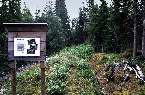 "Norwegen 1998 (720) Eidet smeltehytte • <a style=""font-size:0.8em;"" href=""http://www.flickr.com/photos/69570948@N04/50410403833/"" target=""_blank"">View on Flickr</a>"