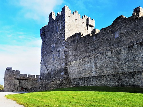 Ireland, Killarney, Ross Castle – the castle wall