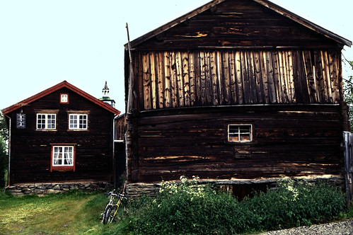 "Norwegen 1998 (724) Røros • <a style=""font-size:0.8em;"" href=""http://www.flickr.com/photos/69570948@N04/50430403872/"" target=""_blank"">View on Flickr</a>"