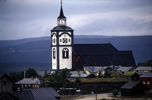 "Norwegen 1998 (734) Røros kirke • <a style=""font-size:0.8em;"" href=""http://www.flickr.com/photos/69570948@N04/50444334271/"" target=""_blank"">View on Flickr</a>"