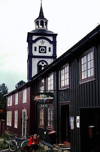 "Norwegen 1998 (731) Røros • <a style=""font-size:0.8em;"" href=""http://www.flickr.com/photos/69570948@N04/50444504387/"" target=""_blank"">View on Flickr</a>"