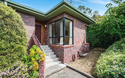 2/23a Maning Avenue, Sandy Bay TAS