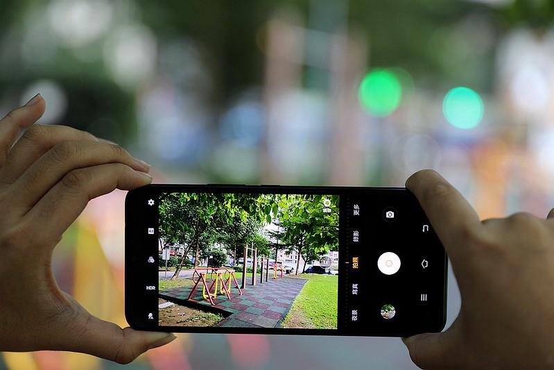 高CP值夜拍 vivo X50e 開箱評測最強平民5G手機46