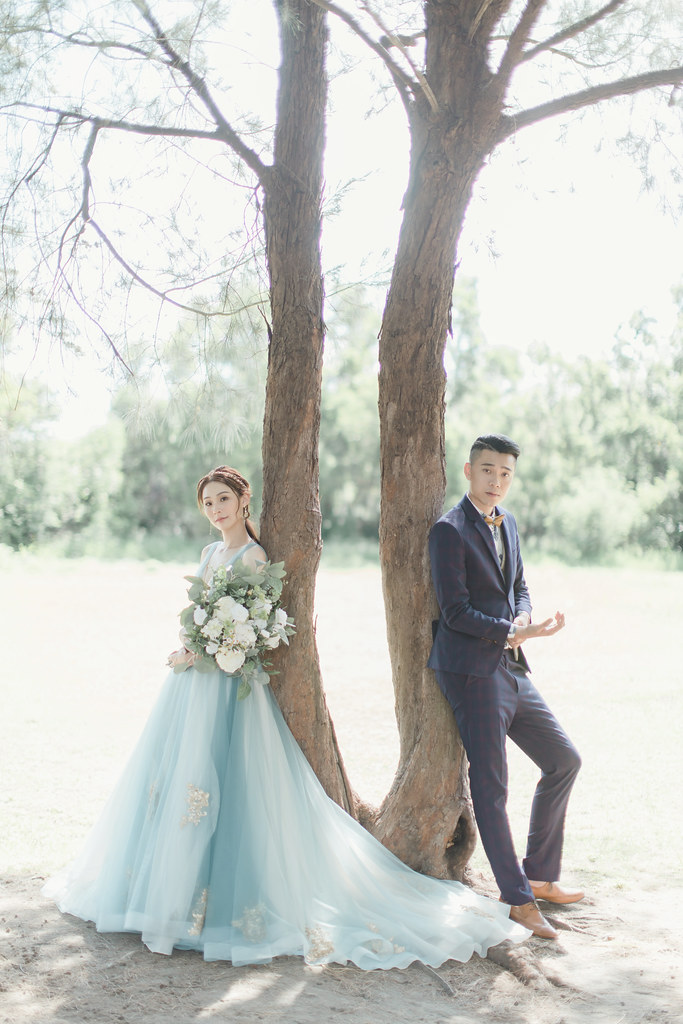 台南自助婚紗|唯美浪漫兼具個性街頭的彩色煙霧婚紗|Weiwan 手工婚紗-3