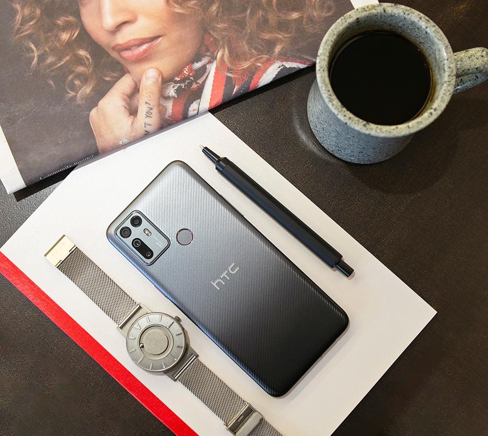 HTC新聞圖檔(HTC-Desire-20+-Lifestyle產品照5)