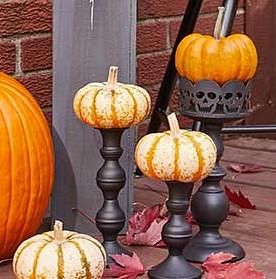 Pedestal Pumpkins