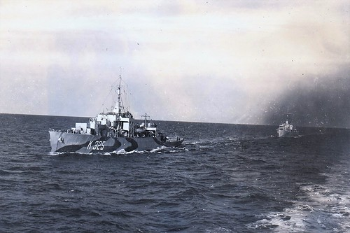 HMCS ST CATHARINES(K325)