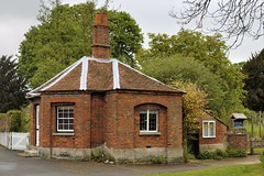 Photo of Octagonal toll house, c1820, Dorchester-on-Thames, Oxfordshire, England