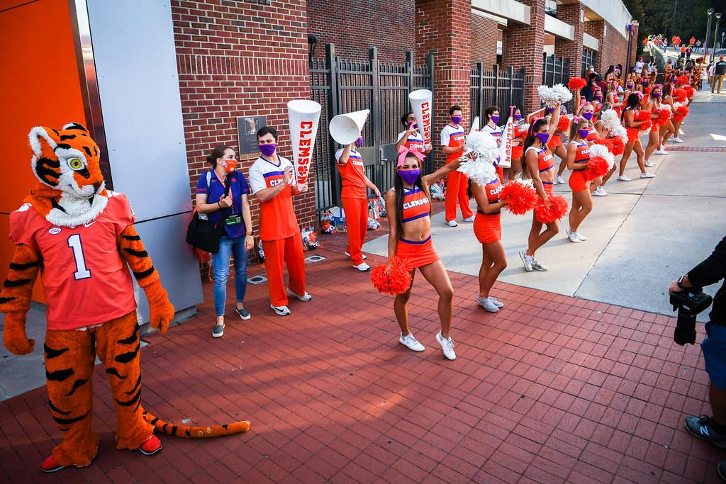 Clemson Photos: Cheerleaders, 2020, Football, Syracuse