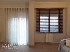 """CORTINA LISA ONDA PERFECTA Y PERSIANA DE MADERA • <a style=""""font-size:0.8em;"""" href=""""http://www.flickr.com/photos/67662386@N08/50535722988/"""" target=""""_blank"""">View on Flickr</a>"""