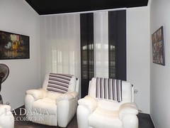 """CORTINAS VERTICALES BAJO CON JARDÍN • <a style=""""font-size:0.8em;"""" href=""""http://www.flickr.com/photos/67662386@N08/50550281957/"""" target=""""_blank"""">View on Flickr</a>"""
