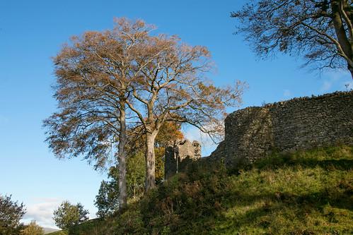 Kendal Castle exterior  12