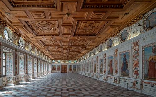 Innsbruck;  Schloss Ambras - Spanischer Saal