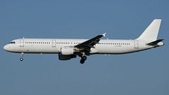 LY-VED-1 A321 DUS 202011-2