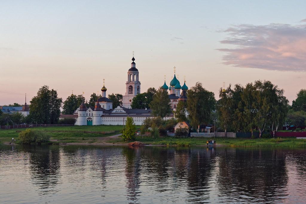 фото: Volga River 242