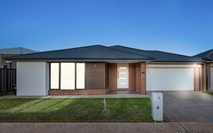 13 Cardigan Close, Melton South VIC