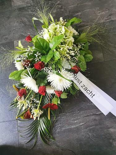 70mm wit rouwlint met zwart bedrukt