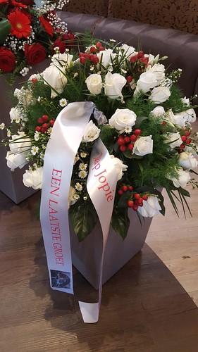 70mm wit rouwlint met fullcolor en rood bedrukt