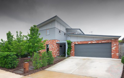 4 Redshaw Street, Coombs ACT 2611