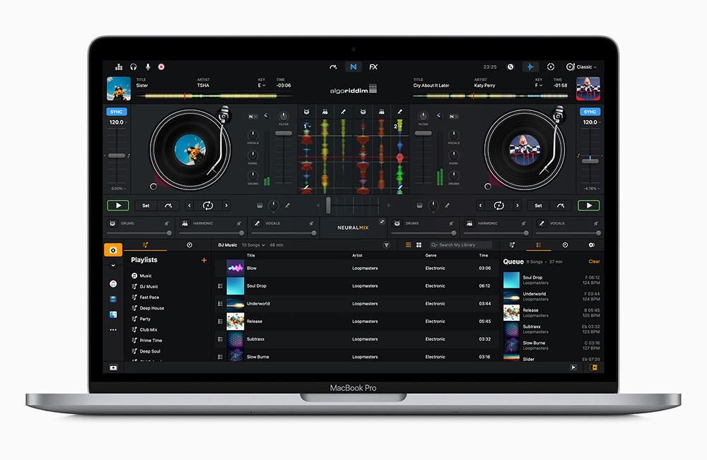Apple_new-macbookpro-dj-pro-screen_11102020