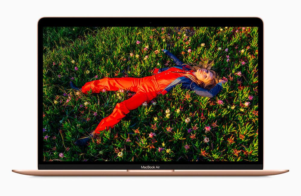 Apple_new-macbookair-gold-retina-display-screen_11102020
