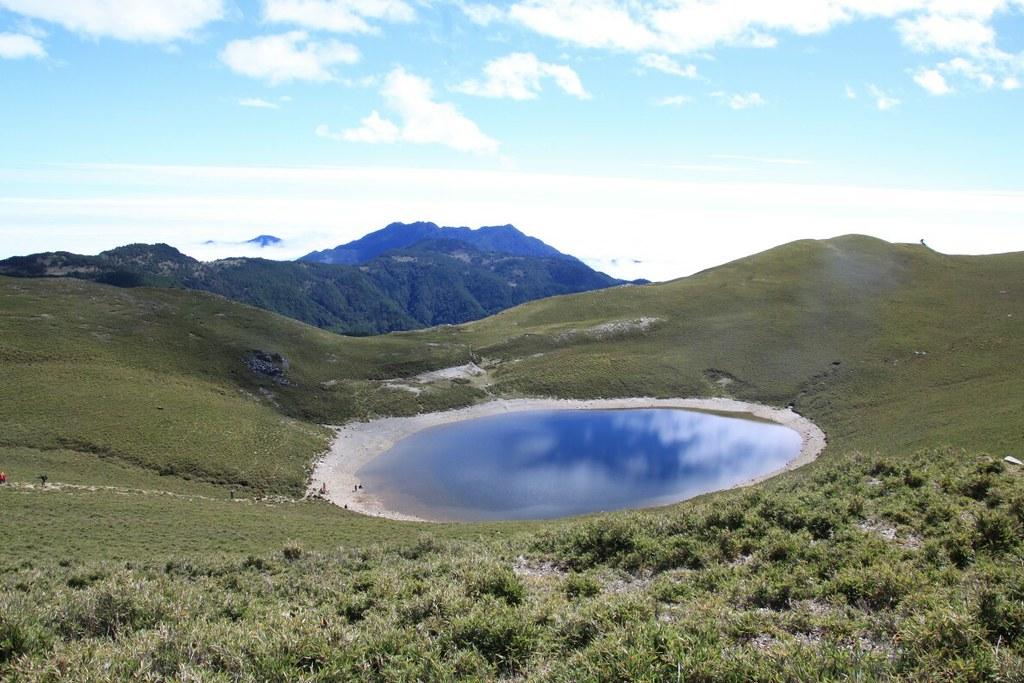圖7_「天使的眼淚」嘉明湖是台灣第二高的高山湖泊,中央山脈南二段上的一顆明珠