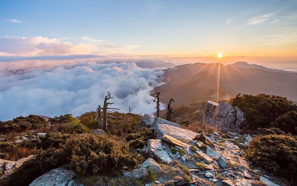 圖8_行程將觀賞美麗的高山日出,感受最震撼的大自然體驗