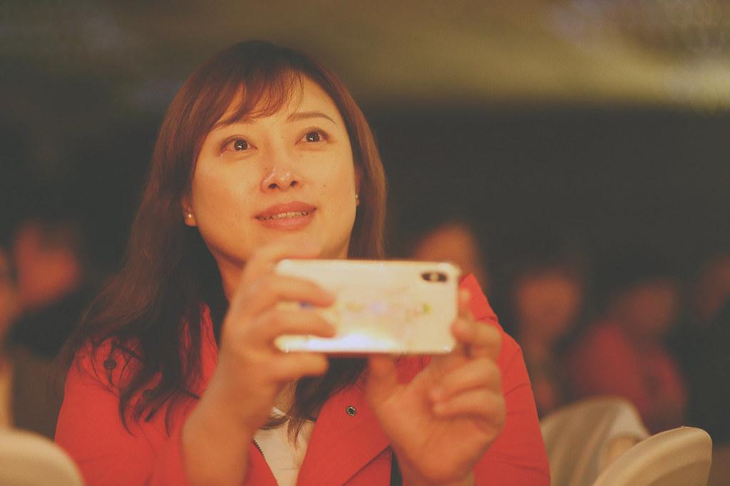 底片,婚禮攝影,台北,朋友,看影片,眼淚,台北婚攝推薦,婚禮紀錄,溫度,情感,自然