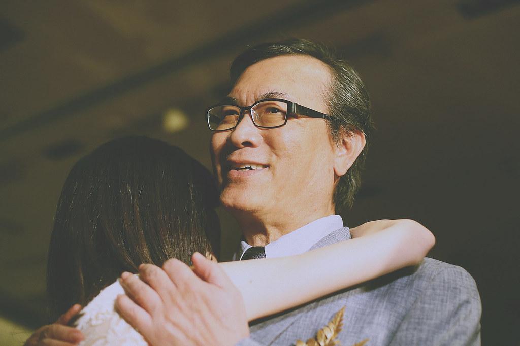 底片,婚禮攝影,台北,父親,進場,台北婚攝推薦,婚禮紀錄,溫度,情感,自然