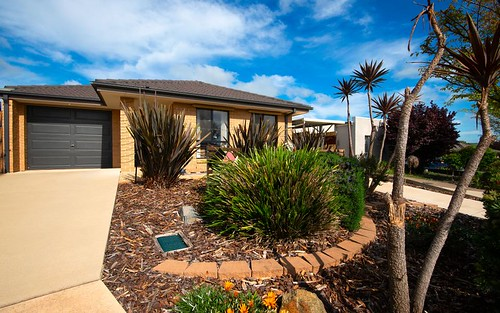 10 Pinner Place, MacGregor ACT 2615