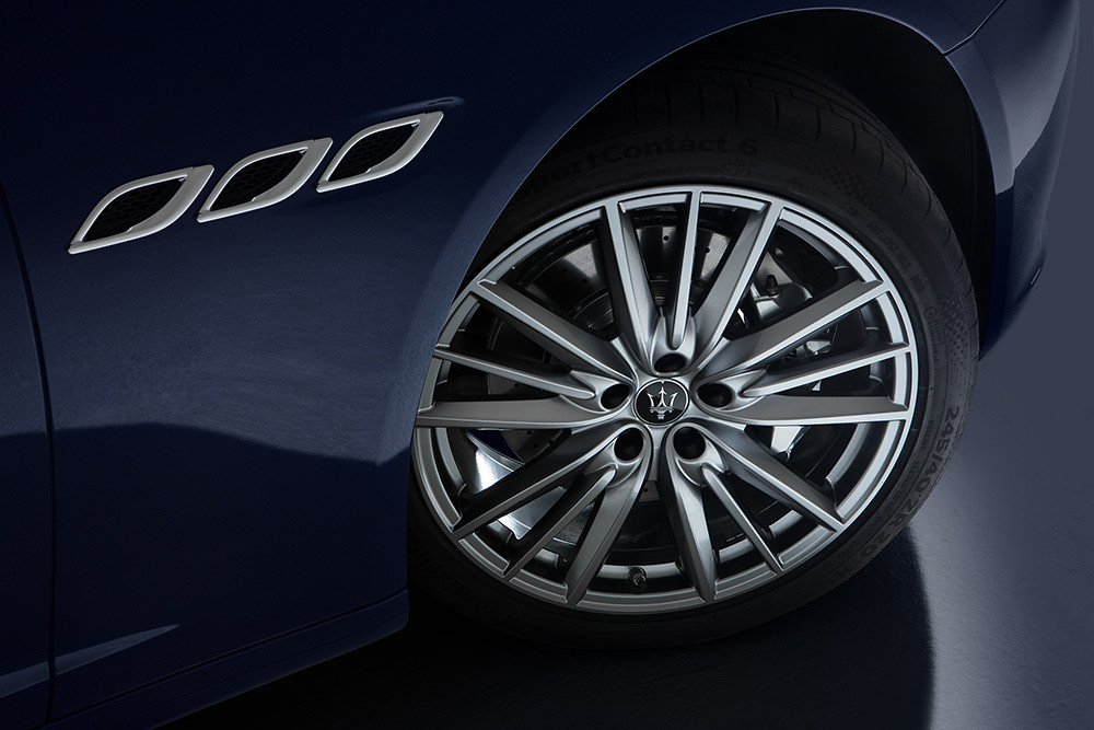 Maserati 201119-10