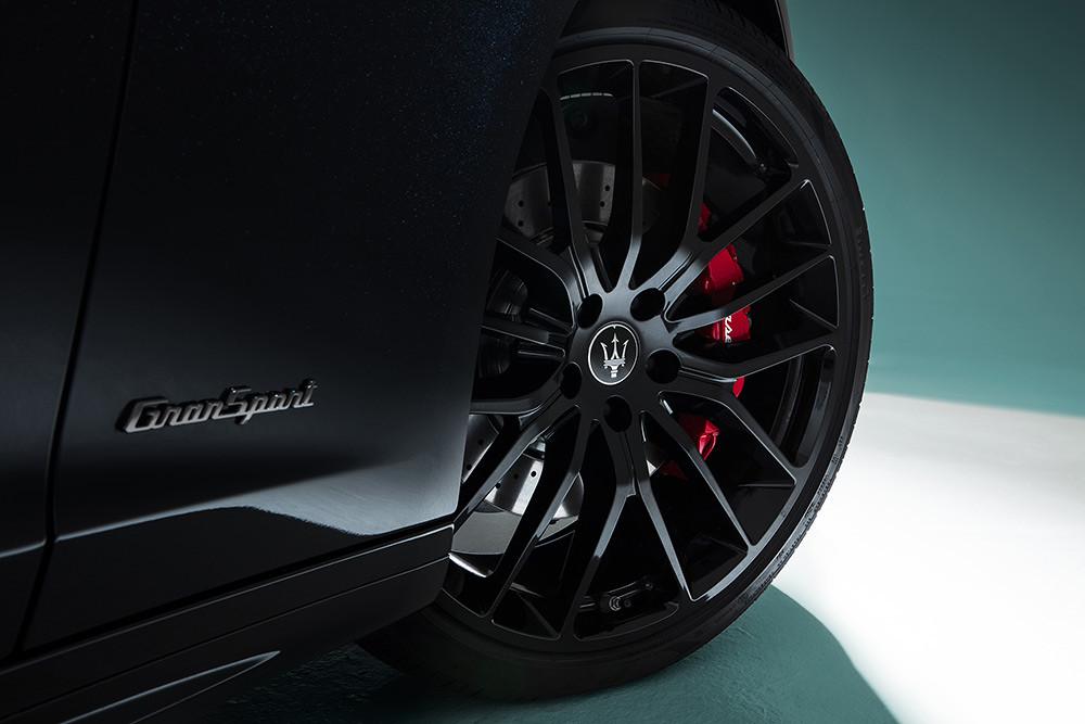 Maserati 201119-6