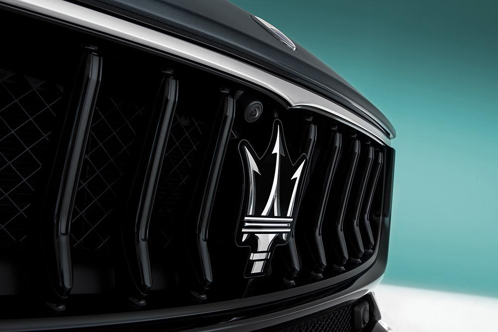 Maserati 201119-1