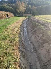 Travaux d'entretien entretien des fossés
