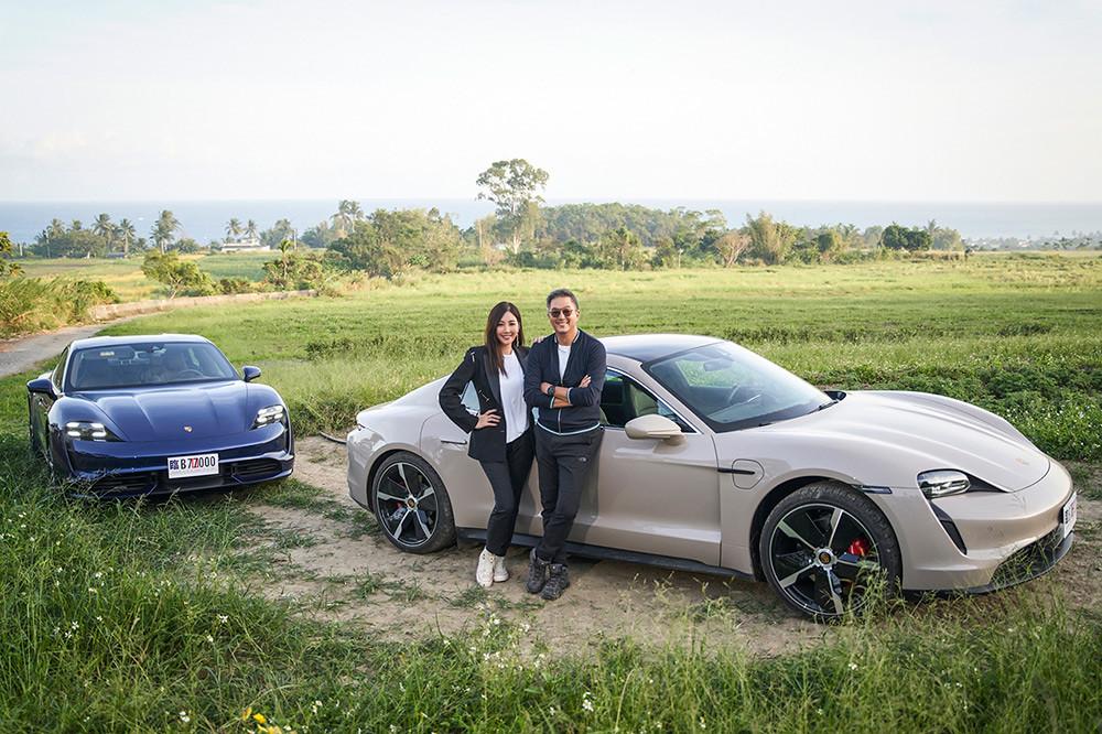 Porsche 201120-7