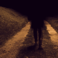 "Seule dans la nuit • <a style=""font-size:0.8em;"" href=""http://www.flickr.com/photos/161151931@N05/50637583091/"" target=""_blank"">View on Flickr</a>"