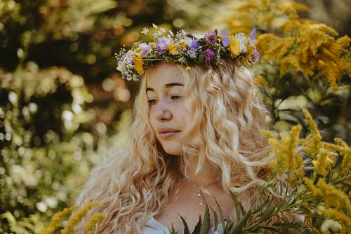 Flower Queen Emi