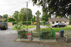 Photo of War memorial in Tetsworth