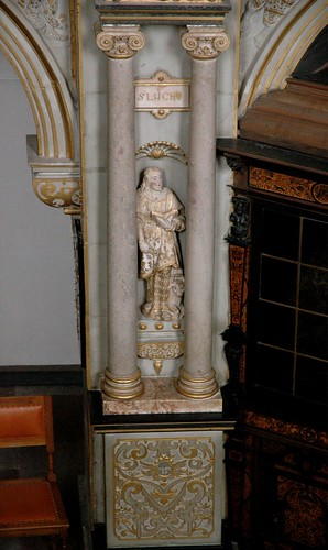 Hillerød, Sjælland, Frederiksborg castle, chapel, saint on a pillar