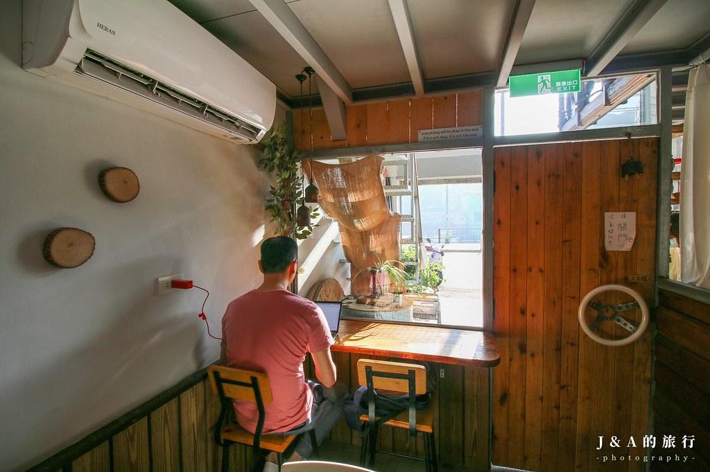 默默吃 Mer Cafe。正濱漁港美食推薦,份量實在的早午餐、輕食料理 @J&A的旅行